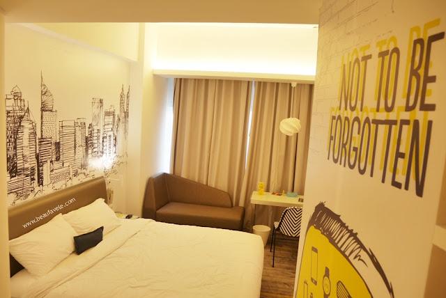 Yello Room - kamar di Yello Hotel