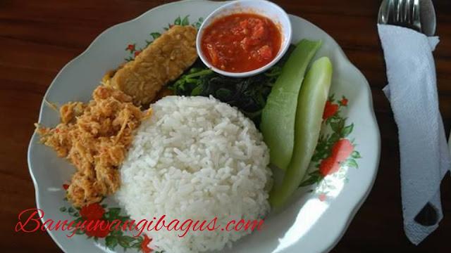 Nasi Tempong Waroeng Kemarang.