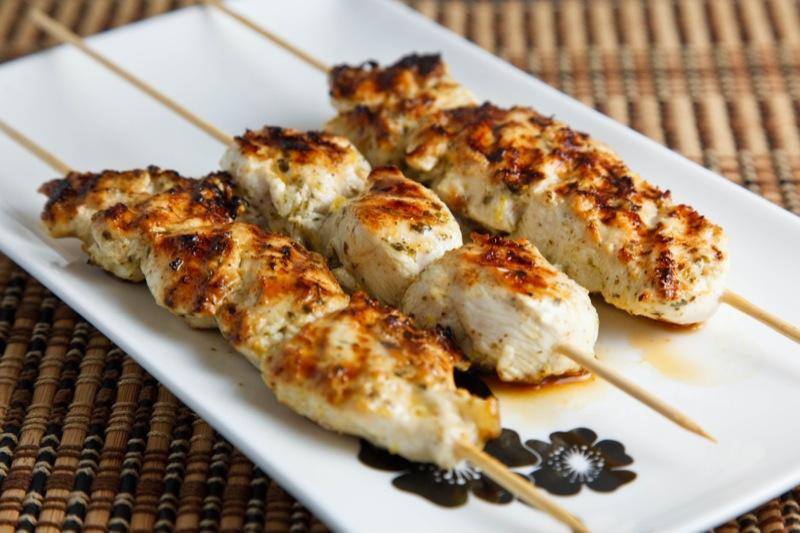 recipe: chicken souvlaki sandwich [18]