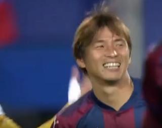 اليابانى إينوى لاعب إيبار الإسبانى