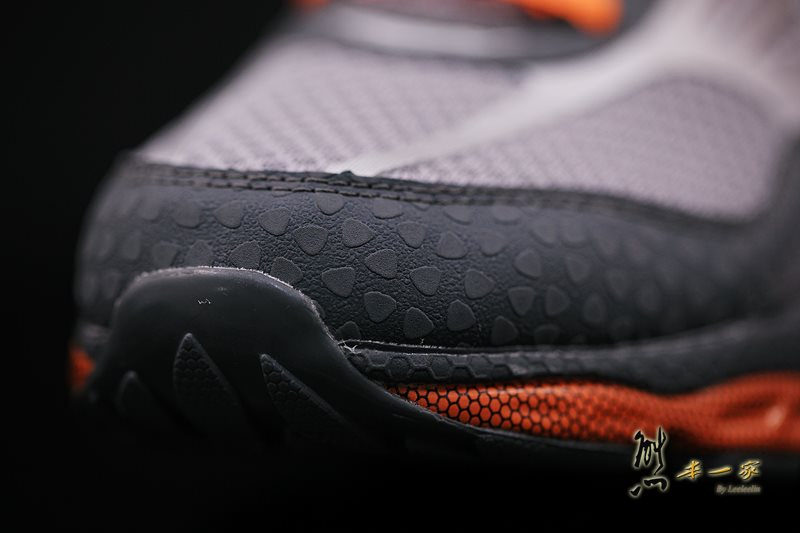 SKECHERS慢跑系列 怪怪卻舒適的足弓推進器運動鞋優缺點評價 SKECHERS健走系列、慢跑系列、健身系列、靴子系列、休閒系列和涼拖鞋系列