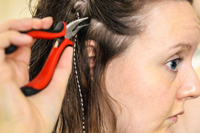 how to put hair feathers in yourself