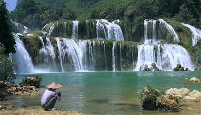 hal yang paling indah di planet bumi yang Salah satunya ialah  Tempat Wisata: 10 AIR TERJUN INI INDAH BAGAIKAN SURGA