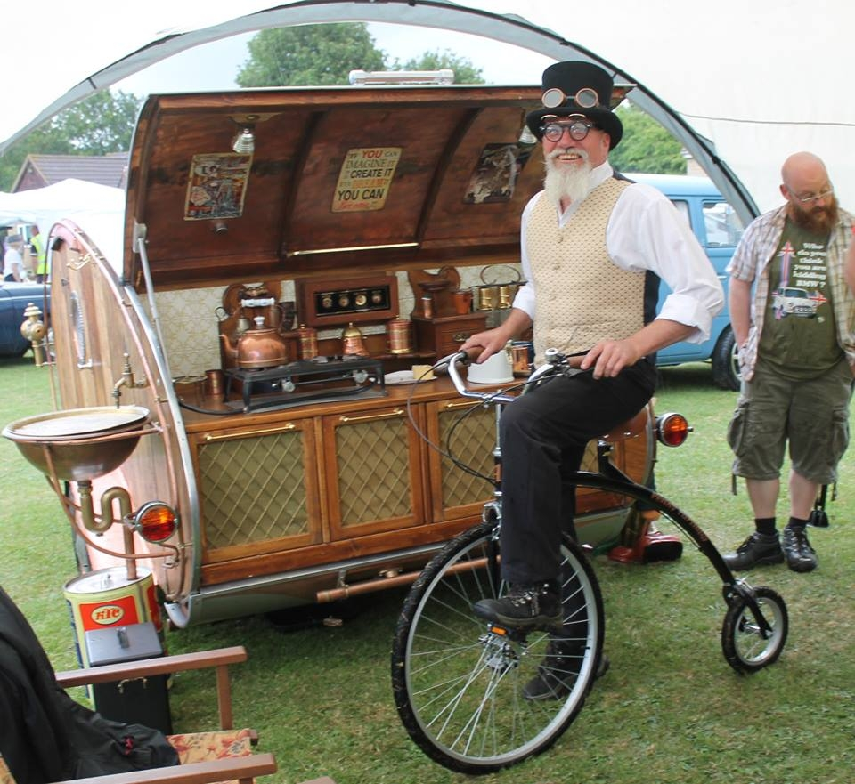 19-Dave-Moult-Tiny-Steampunk-Architecture-with-the-Teardrop-Trailer-www-designstack-co