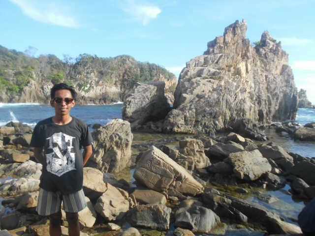 Gigi Hiu di Batu Layar Pegadungan Lampung