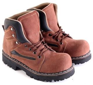 Sepatu Boots Pria Model Touring  L 151