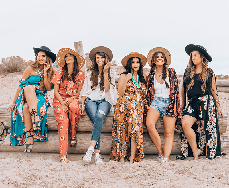 girl friends hanging out at the beach, boho style, bohemian girls