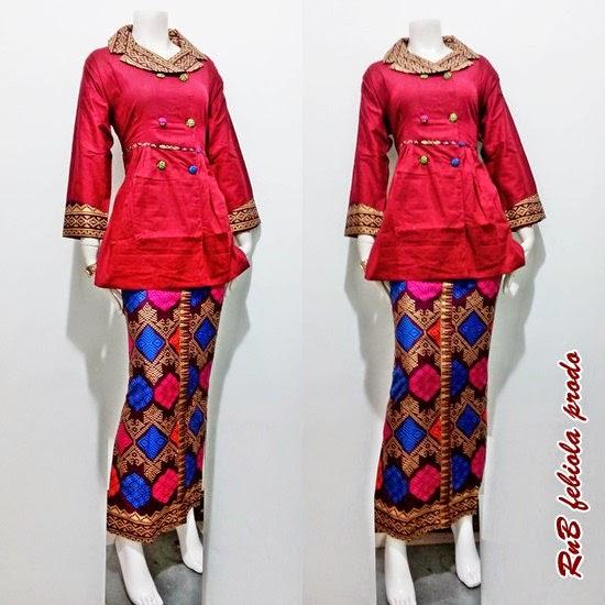 Baju Batik Ala Artis: Baju Batik Ala Artis