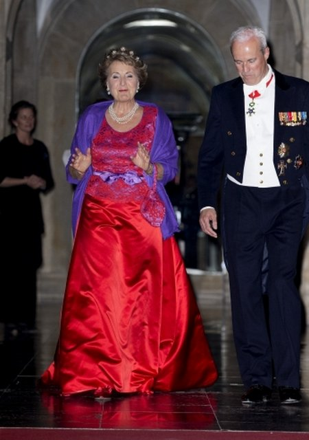 Dutch Queen Maxima attended the gala dinner for the Corps Diplomatique at the Royal Palace in Amsterdam. Queen Maxima wears Christian Dior clutch, Queen Maxima wore Mellerio Tiara Jewelery