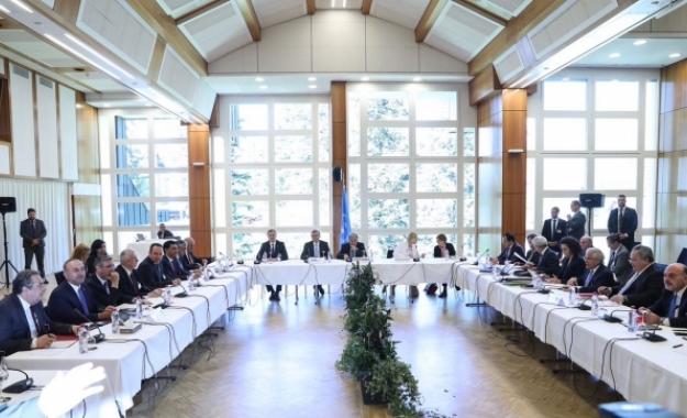 """Η Τουρκία """"τίναξε στον αέρα"""" τις συνομιλίες για το Κυπριακό"""