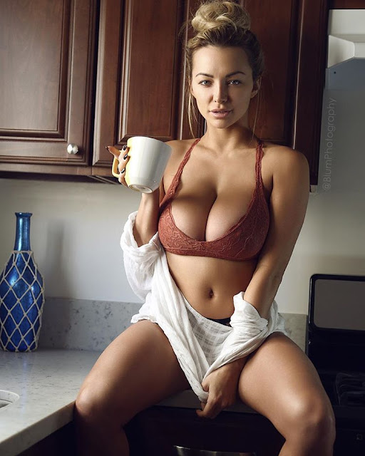 lindsey-pelas-good-morning-hot-sexy-images