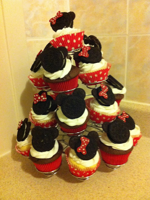 Mickey and Minnie Mouse Cupcakes