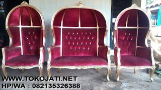 """KURSI JATI  KLASIK CAT PUTIH KAIN BELUDRU MERAH,#Jual Mebel Interior Klasik Indonesia#KURSI JATI  KLASIK CAT PUTIH KAIN BELUDRU MERAH, """"Mebel Interior KLASIK"""".#tokojati.net#.""""MEBEL KLASIK EROPA"""".  #Toko Mebel Jati Klasik Jepara# mebelinteriorklasik.com tempat """"MEBEL KLASIK JEPARA"""""""