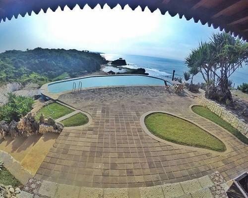 www.Tinuku.com Inessya Resort designing coastal topography hilly landscape Gunung Kidul expose Indian Ocean more dramatic