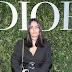 Karen Wazen posa para fotos no lançamento da exibição 'Christian Dior, couturier du rêve' comemorando 70 anos de criação, em Paris, França – 03/07/2017