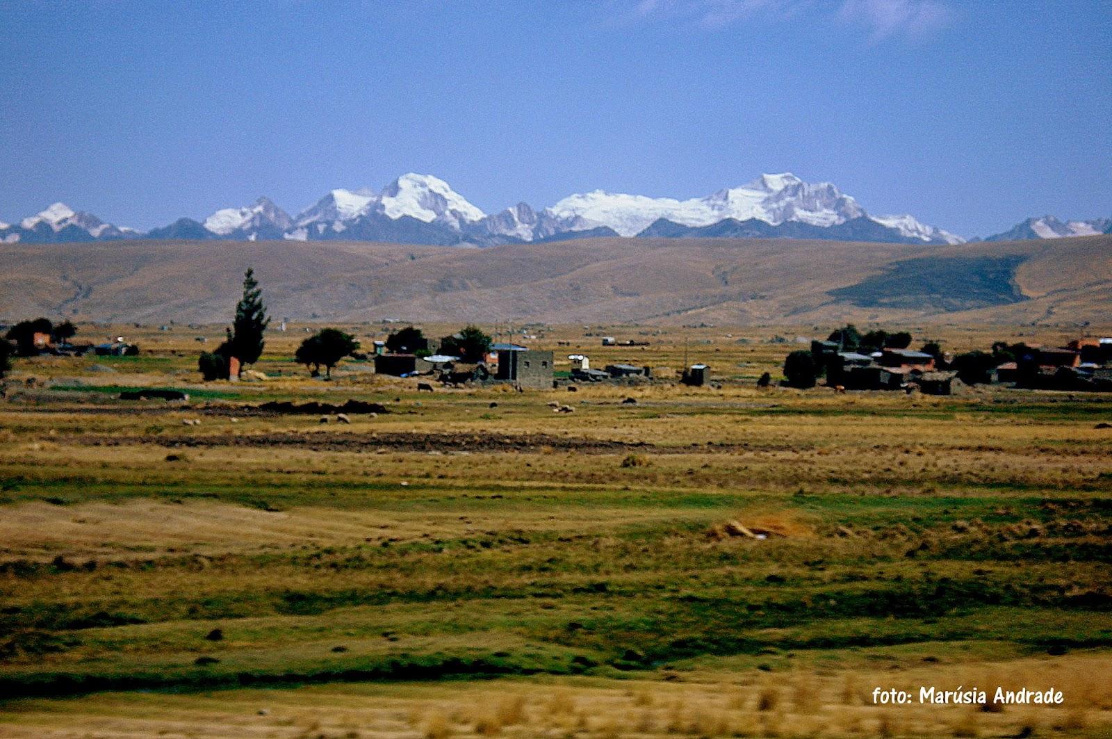 A Cordilheira Real vista do Altiplano Boliviano