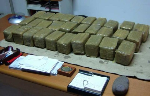 تفكيك شبكة مخدرات نواحي ميلانو تؤدي الى إعتقال 6 تجار مغاربة