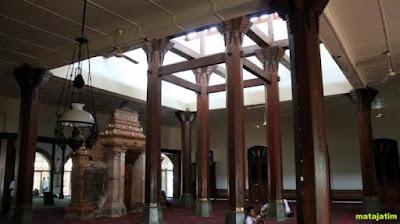 penyanggah kubah masjid kudus