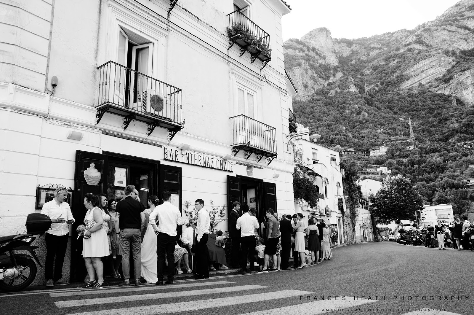 Wedding reception at bar Internazionale in Positano