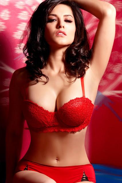 Sunny Leone looks Hot in this bikini photo