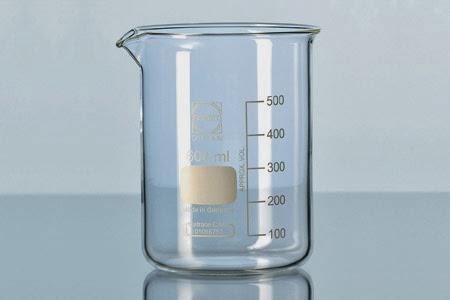 f368d9ae8 Un vaso de precipitado es un material de laboratorio, es de vidrio que se  utiliza para contener sustancias, disolverlas, atacarlas, calentarlas y en  general ...