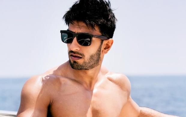 Shirtless Ranveer Singh