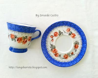 Xícara porcelana pintada a mão