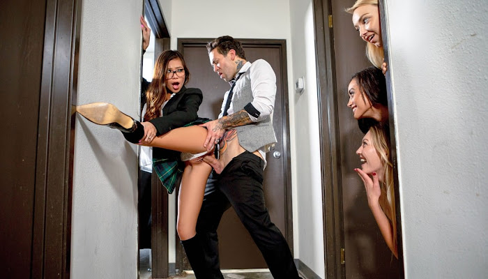 SneakySex - Vina Sky Passing Notes In Class