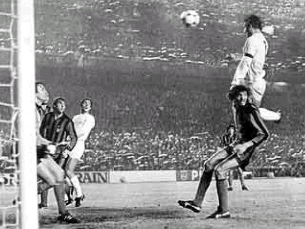 Real Madrid News: Legends: Carlos Alonso 'Santillana'