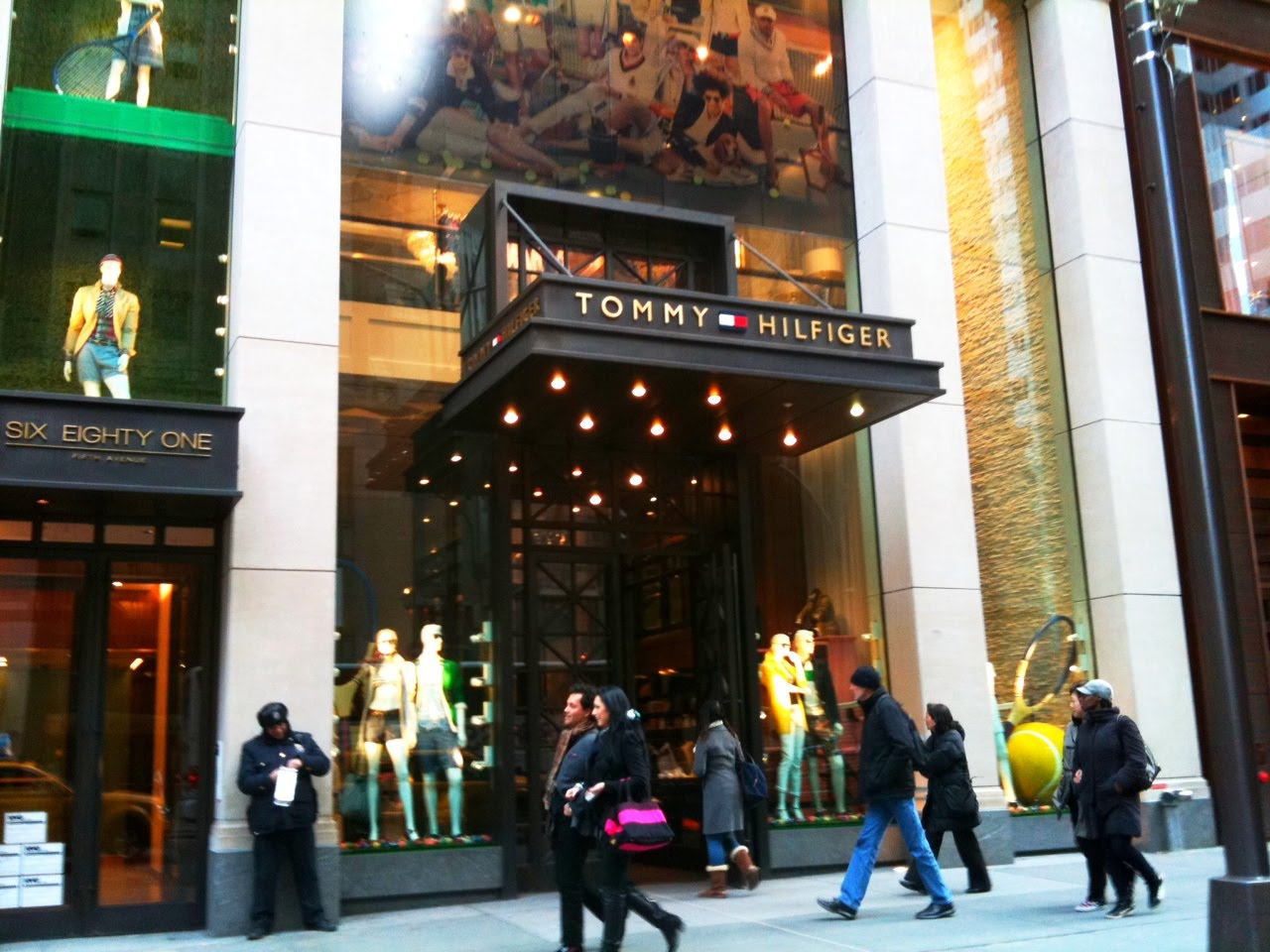 f3f9ed2293fe Tommy Hilfiger 5th Avenue - New York City Photos