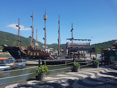 barco pirata de balneário camboriú