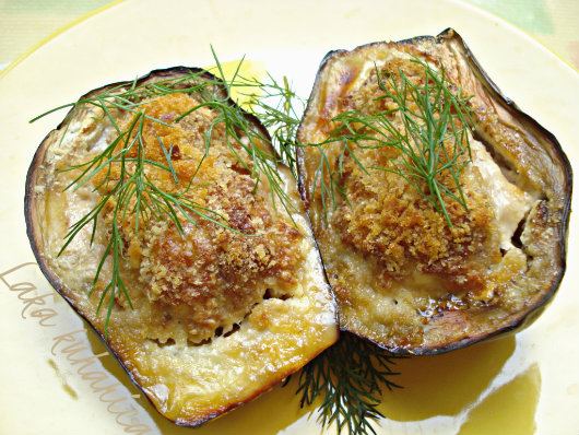 Mediterranean eggplants by Laka kuharica: cheesy, aromatic and easily prepared.