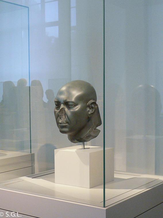 La cabeza verde. El museo nuevo de Berlin