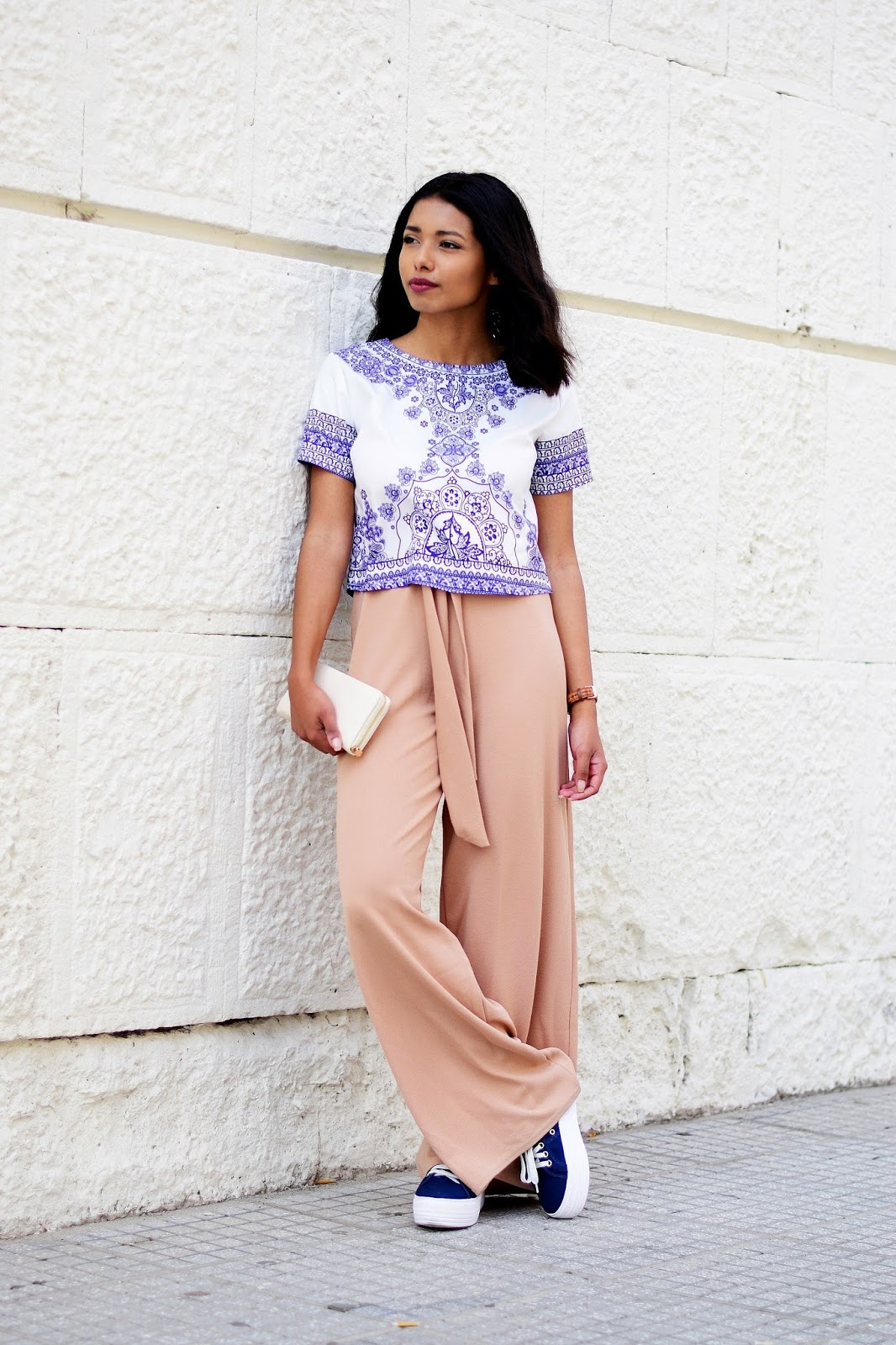 pastel wide leg trousers and sneakers outfit