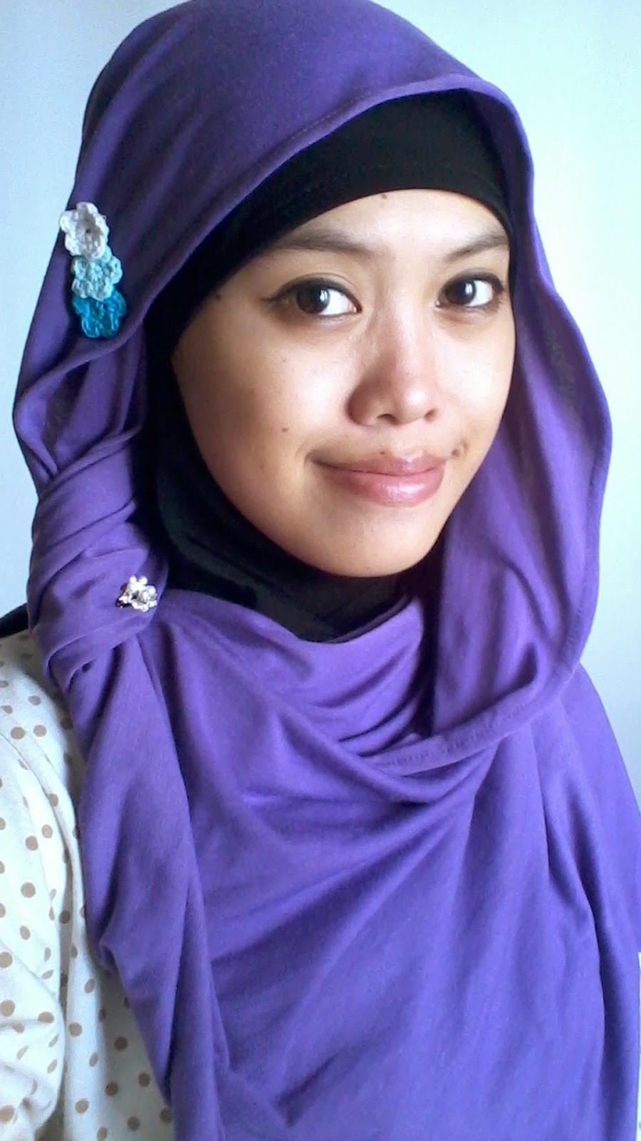 memakai jilbab ke pesta jilbab langsung