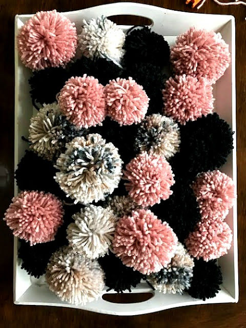 pink, black, gray, winter, wreath, diy, pompoms