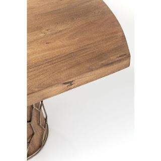 Jedálenský stôl do moderného interiéru Reaction.