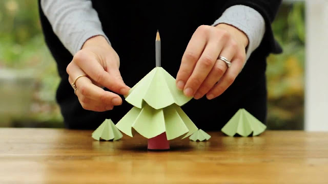 How to Making Christmas Decorations With Used Items