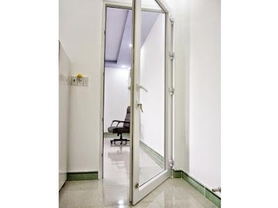 cửa nhựa lõi thép 1 cánh cho phòng họp