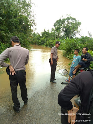 Jalan Penghubung Di Kecamatan Keluang Terendam Air