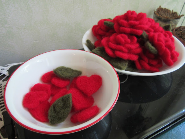 https://www.etsy.com/listing/451411746/hand-felted-red-roses-with-leaves?ref=shop_home_active_2