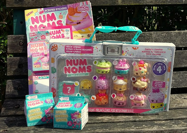 Num Noms Series 4 and Num Noms Lights Series 2.1 - Review Sweet Sampler Magazine