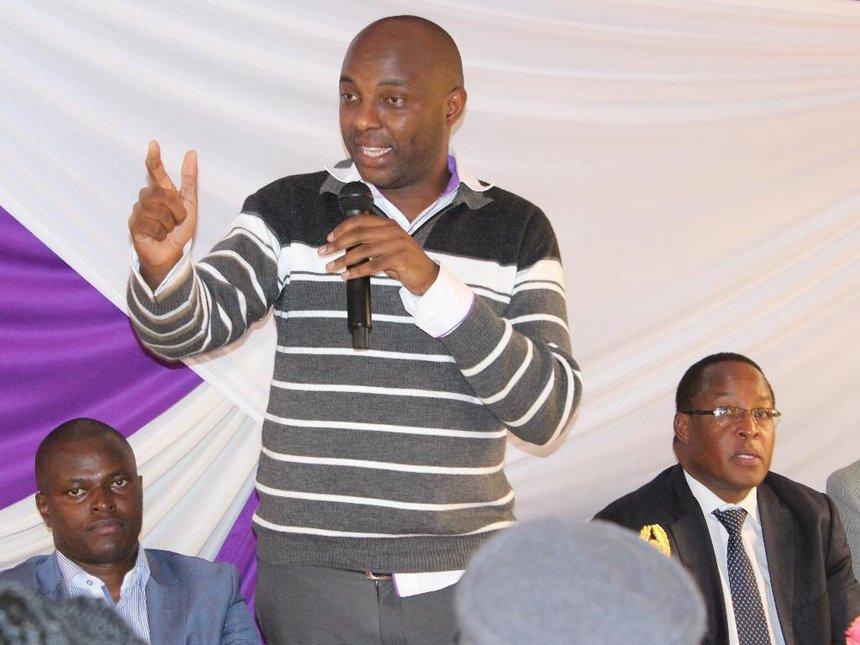 Staunch William Ruto Ally Abandons Him For Uhuru Kenyatta