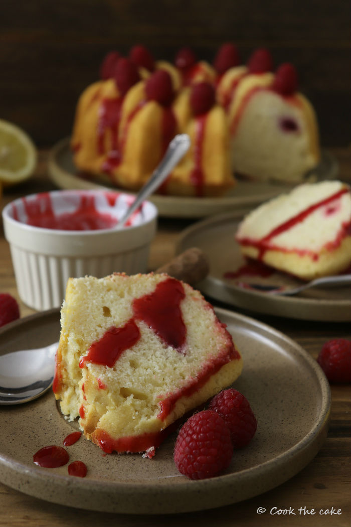 cream-lemon-and-raspberry-bundt-cake, bizcocho-de-nata-limon-y-frambuesas