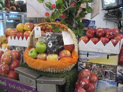Dễ dàng mua giỏ quà Tết hoa quả có giá dưới 2 triệu đồng