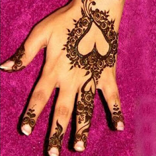 Mehndi for fingers