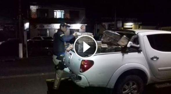 PRF apreende quase meia tonelada de Maconha em Viatura Clonada na Regis Bittencourt em Cajati