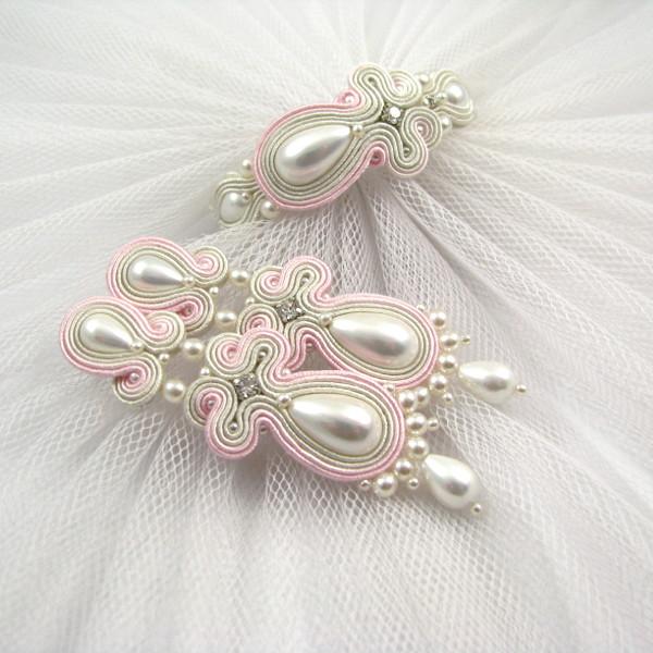 Perłowy komplet ślubny sutasz ivory z akcentami różowymi.