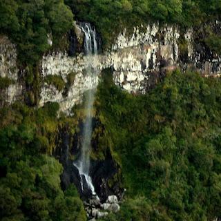 Segunda Queda da Cachoeira do Tigre Preto, no Cânion Fortaleza, em Cambará do Sul