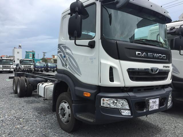Xe tải 3 chân Daewoo 15,5 tấn thùng kín